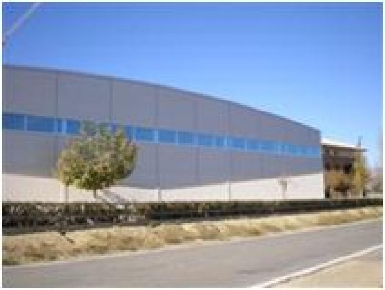 Pabellon polideportivo de Angües Huesca.Edificación
